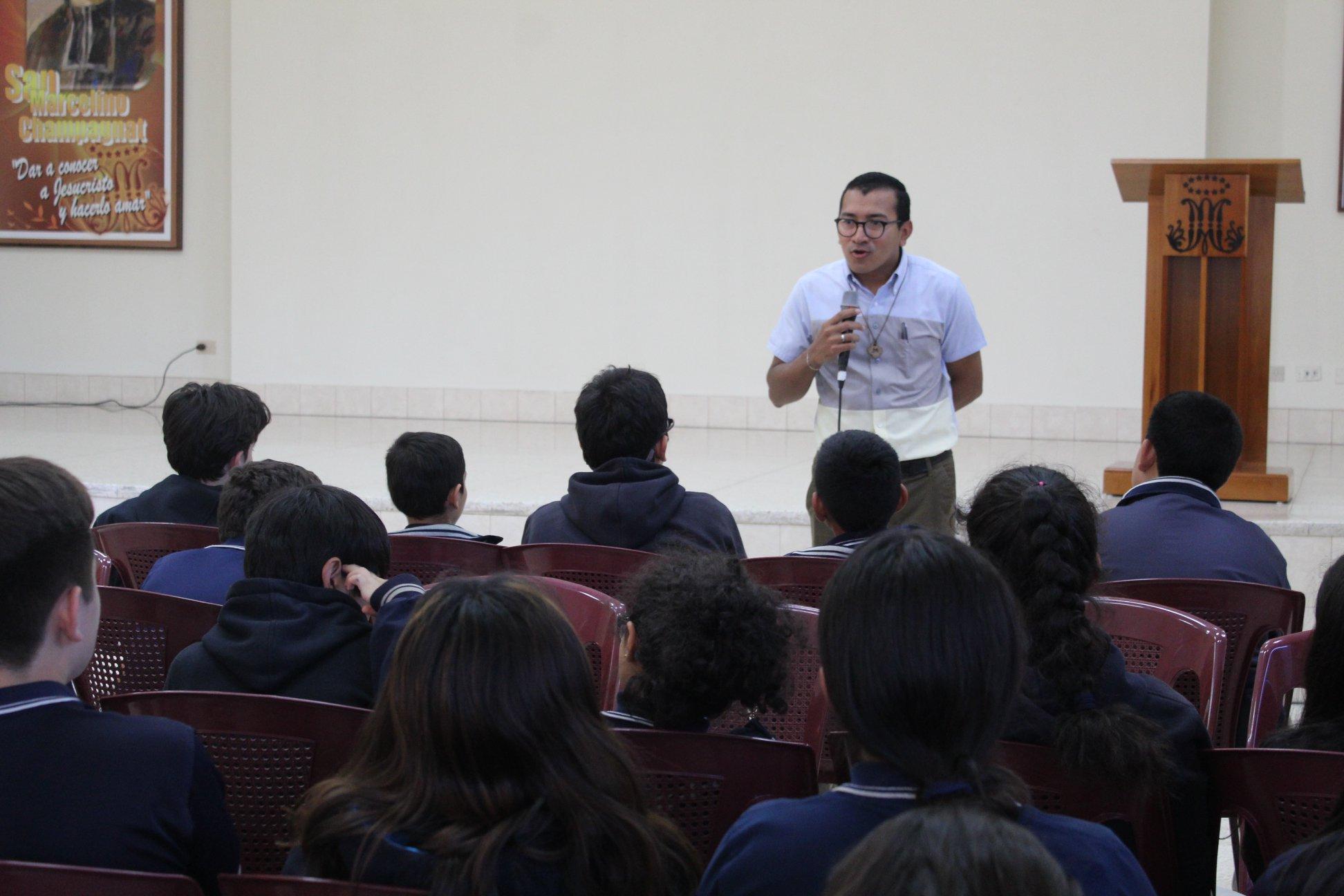 Semana Vovacional de la secundaria del Liceo Guatemala
