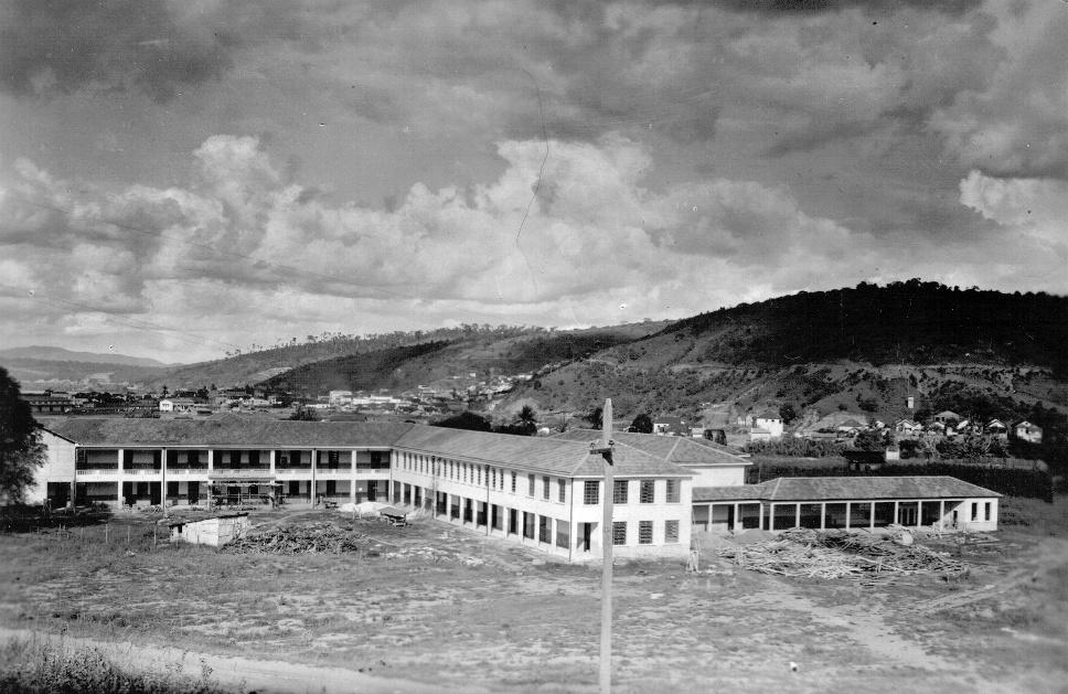 Colégio Marista de Colatina em fase final de construção - 18 de dezembro de 1952